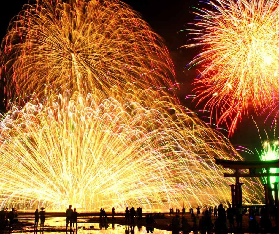 เทศกาลดอกไม้ไฟกับมรดกโลกที่ Miyajima