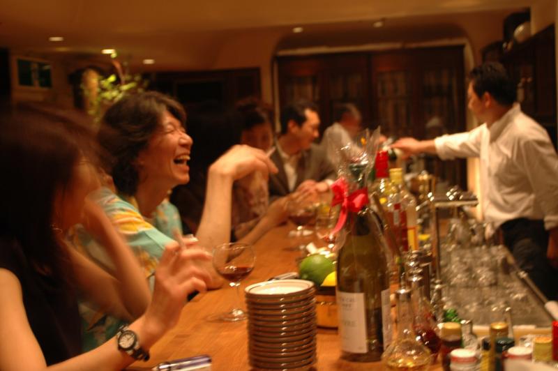ชีวิตกลางคืนในชินจูกุ @ Tokyo Bar Candy