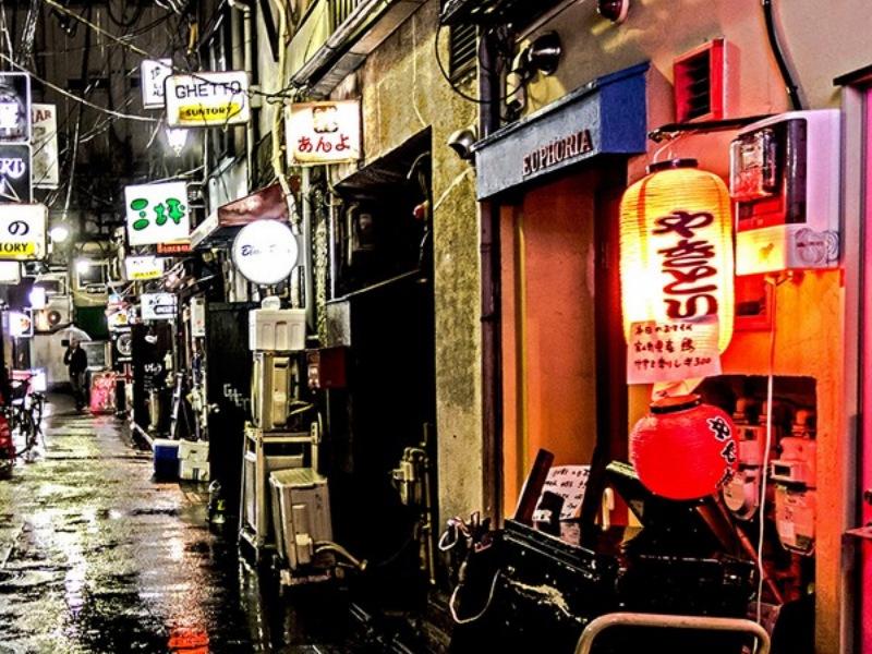 ชีวิตกลางคืนในชินจูกุ