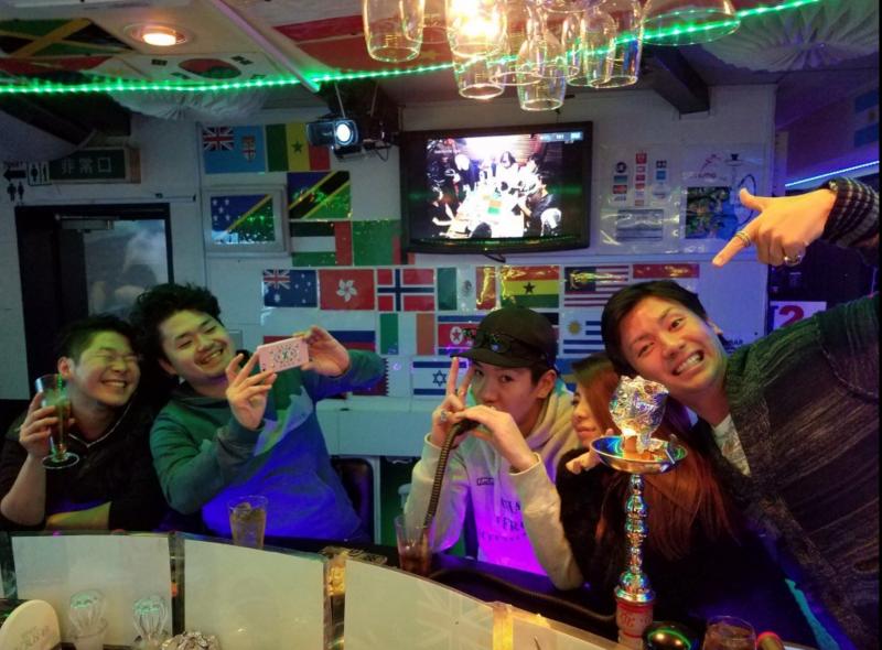 ชีวิตกลางคืนในชินจูกุ @ H2 International Bar