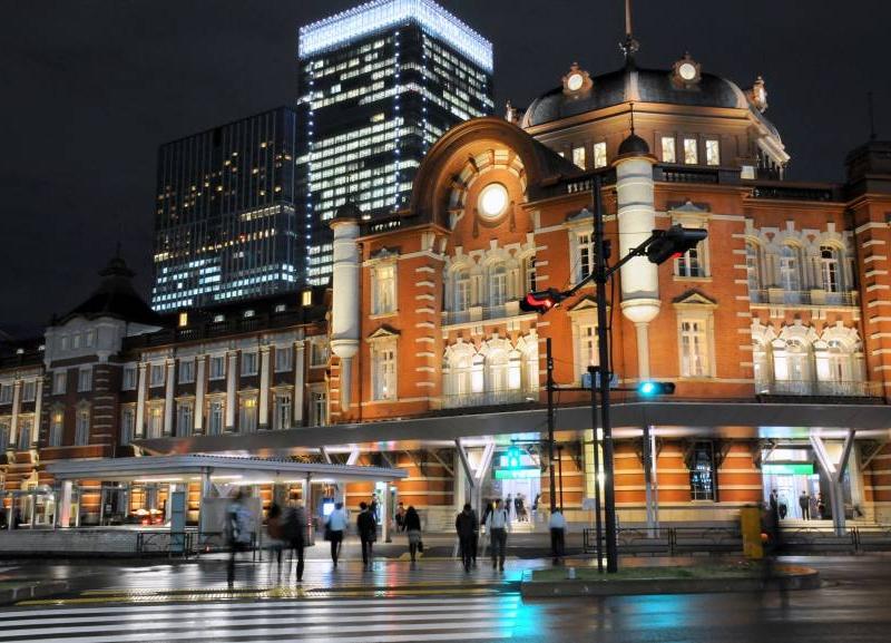 ย่านชุมชนแออัดโตเกียว ที่สถานีโตเกียว